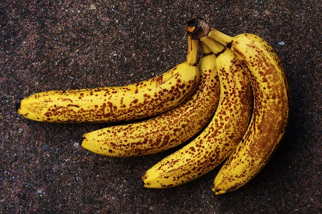 How To Prevent Bananas From Turning Brown
