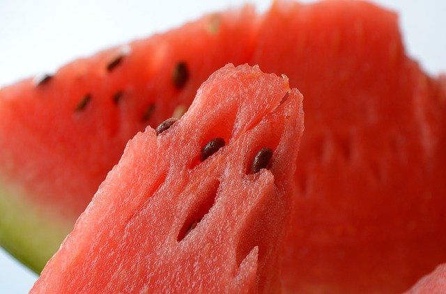 Can you eat watermelon seeds straight from the fruit