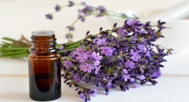 what essential oils are good for removing skin tags
