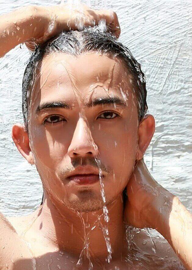 Get Back Your Healthy Shiny Hair by shampooing with cold water